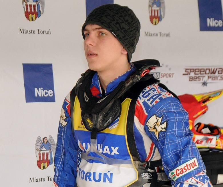 Od dłuższego czasu mówi się, że Wiktor Kułakow może być kolejnym zagranicznym żużlowcem, który zostanie Polakiem. Reprezentant eWinner Apatora Toruń