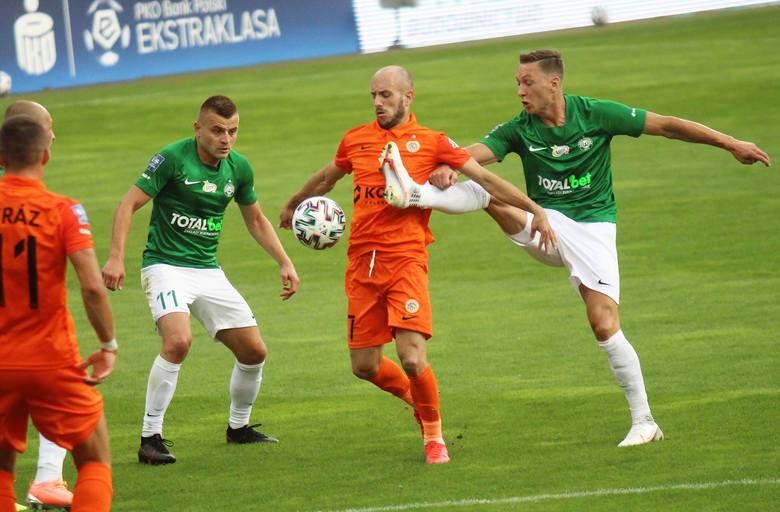 Warta Poznań weszła bardzo ambitnie w PKO Ekstraklasie, ale na razie oba mecze przegrała po 0:1 i przegrała w Lubinie podobnie, jak przed tygodniem Lech