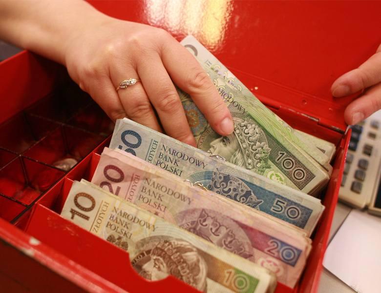 Płaca minimalna w 2022 roku pójdzie mocno w górę! Ile będzie wynosić?