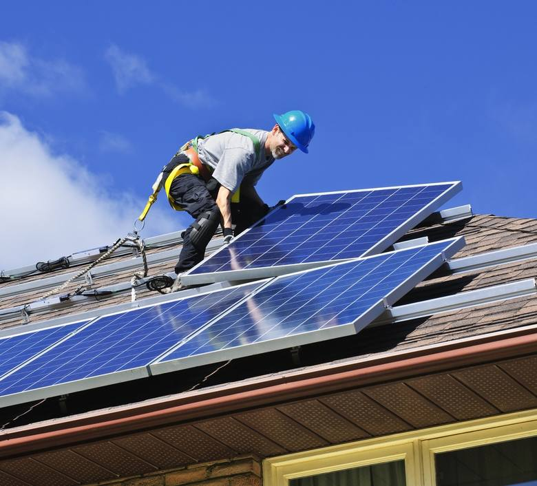Fotowoltaika na dachu - co warto wiedzieć?