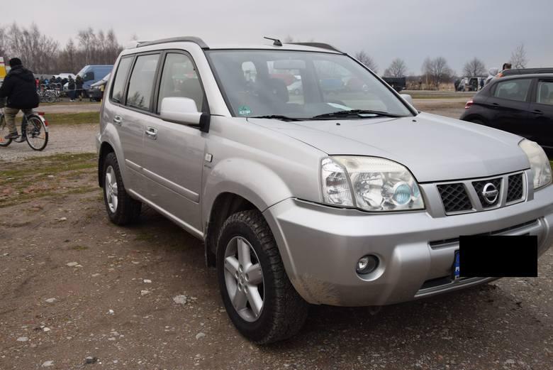 Nissan X- Trail - rok produkcji 2005, z silnikiem 2.5 benzyna i mocy 165 KM. Stan licznika 203 tys. km. Cena 17 800 zł