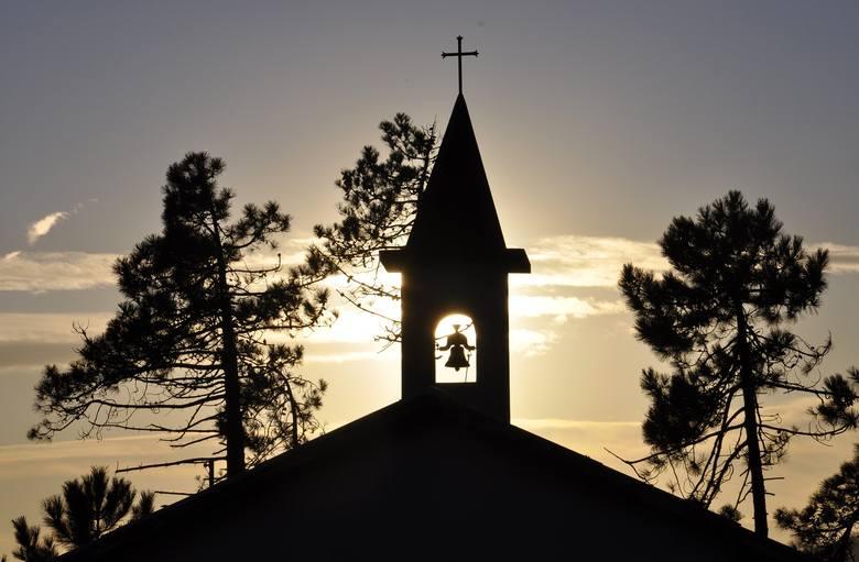 10 najbardziej świętych miejsc w Polsce. Tu przyjeżdżają pielgrzymi z Polski i ze świata