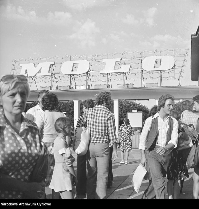 Sopot na starych zdjęciach! Festiwal w Operze Leśnej, molo, Grand Hotel. Archiwalne fotografie kurortu przenoszą w przeszłość