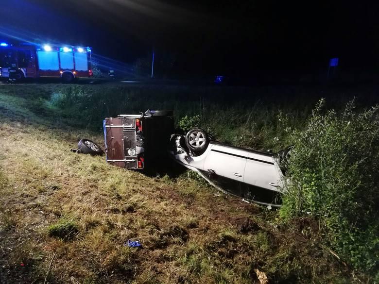 W czwartkowy późny wieczór na drodze krajowej nr 6 w okolicach miejscowości Ramlewo doszło do wypadku.Zderzyły się dwa samochody osobowe. W wyniku zdarzenia