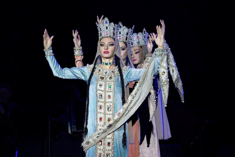 Nazywają ich huraganem na scenie i ósmym cudem świata. Narodowy Balet Gruzji Sukhishvili wystąpił w niedzielę w Stegu Arenie w Opolu. Ich spektakl obejrzało