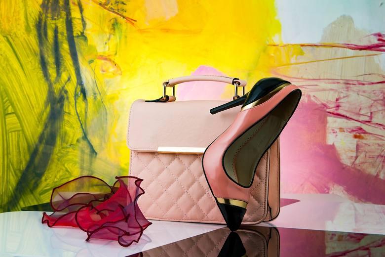 Modne torebki powinny być wykonane z dobrego materiału i dopasowane do sylwetki właścicielki.