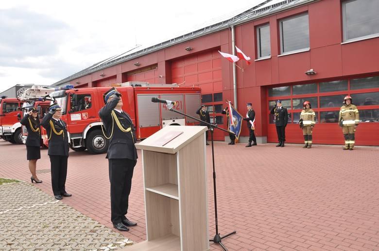 Awanse i nagrody z okazji Dnia Strażaka w brzezińskiej komendzie powiatowej PSP