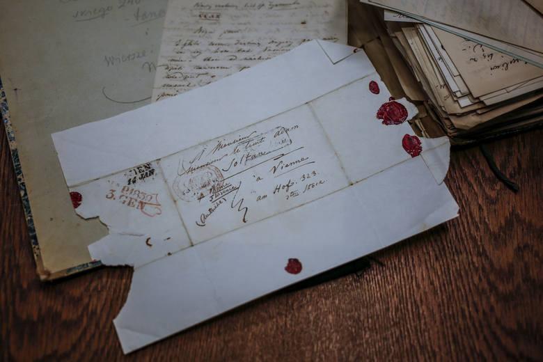 Listy Zygmunta Krasińskiego trafiły już do Muzeum Narodowego w Gdańsku, teraz poddane zostaną konserwacji. Jak twierdzą muzealnicy, wydaje się, że są w zupełnie niezłym stanie
