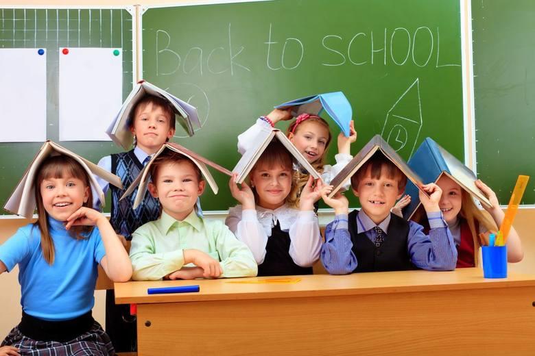Dyrektor szkoły lub placówki może w danym roku szkolnym ustalić dodatkowe dni wolne od zajęć dydaktyczno-wychowawczych