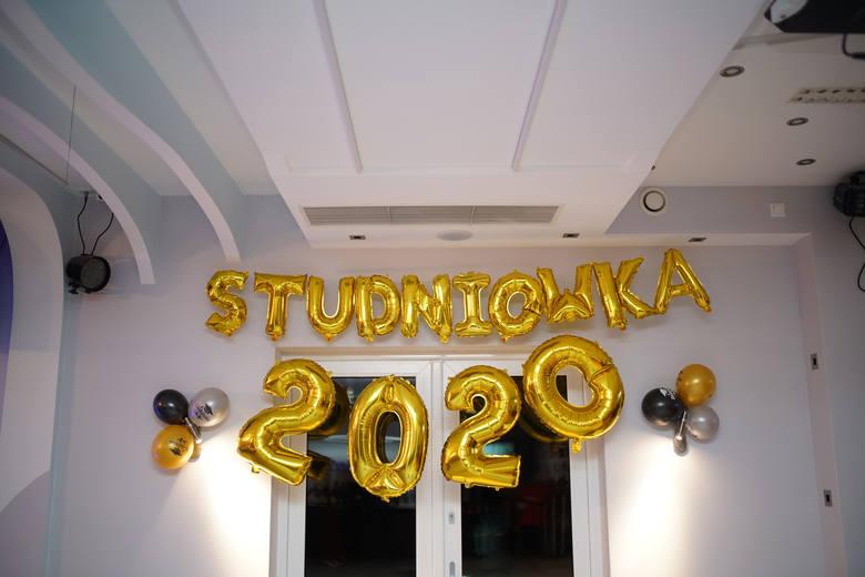 Studniówki 2020. Bal maturzystów z Ustki [zdjęcia]