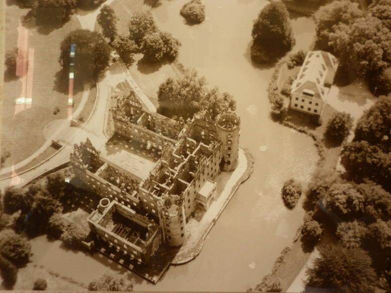 Park i pałac ucierpiały podczas II wojny światowej