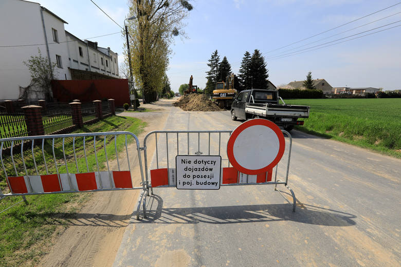 Przebudowa 2,3 kilometrowego odcinka drogi wojewódzkiej nr 546, łączącej Łubiankę z Bierzgłowem w powiecie toruńskim, ma zakończyć się na przełomie września