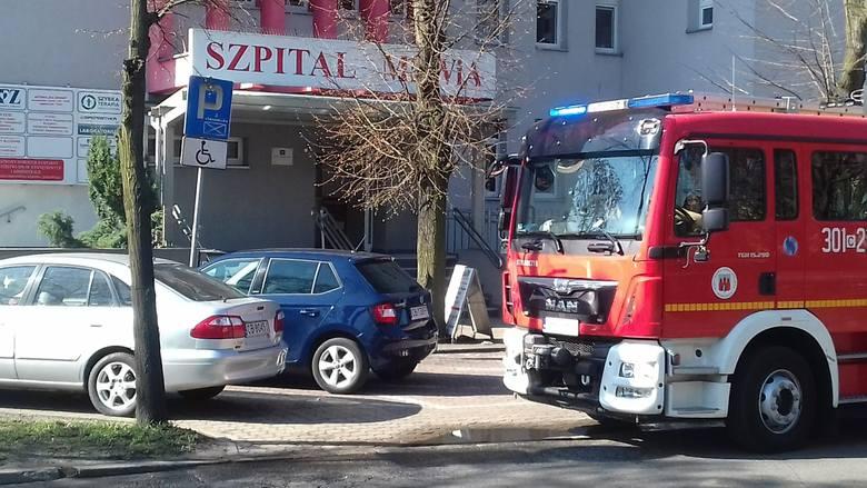 Tuż przed godziną 10 skontaktował się z nami Czytelnik, którego zaniepokoił widok wozu strażackiego przed szpitalem MSWiA na ul. Markwarta w Bydgoszczy.