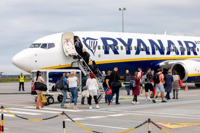 Oto lista miejsc, do których będziemy mogli latać bezpośrednio z Poznania w wakacje w 2021 roku. Tylko linia Ryanair oferuje aż 25 kierunków. Znajdą