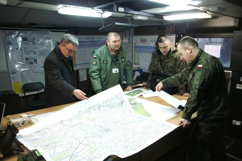 Ponad 400 żołnierzy oraz 135 jednostek sprzętowych 4. Zielonogórskiego pułku przeciwlotniczego uczestniczy w szkoleniu poligonowym w Ośrodku Szkolenia