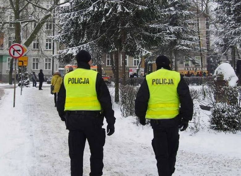 """Zakończyły się ferie zimowe w Lubuskiem. W poniedziałek zielonogórscy policjanci podsumowali działania """"Bezpieczne ferie"""".- Ku zadowoleniu"""