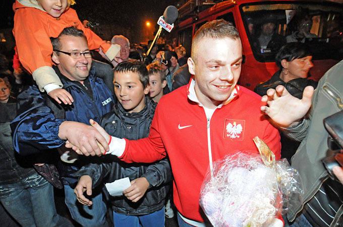 [zdjęcia] Wielki powrót Adriana Zielińskiego do Mroczy