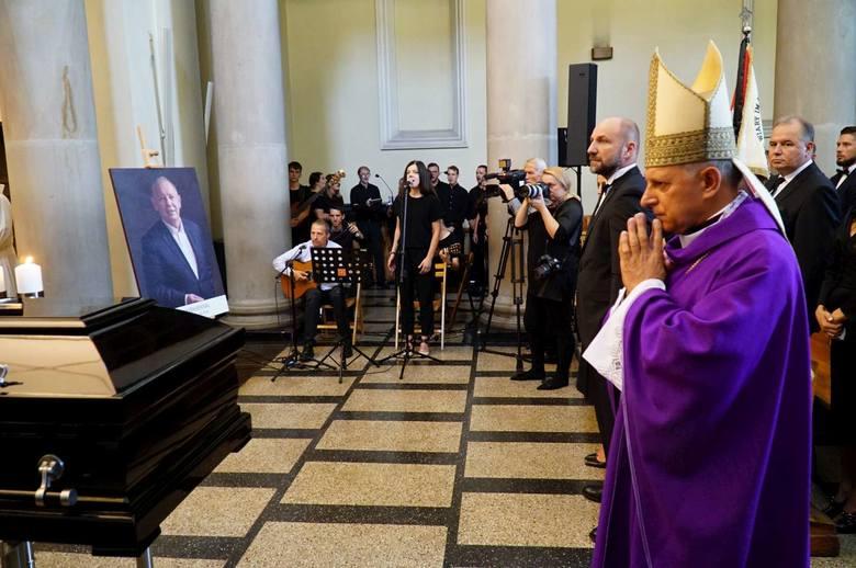 W środowe przedpołudnie w kościele ojców Dominikanów w Poznaniu odbyła się msza pogrzebowa, będąca pożegnaniem Jerzego Wiśniewskiego, zmarłego przed