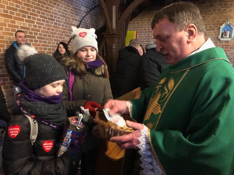 Duchowny z Kościoła Polskokatolickiego postanowił przekazać całość datków z tacy na WOŚP. Ksiądz już przed nabożeństwem zapewnił, iż pieniądze przekaże