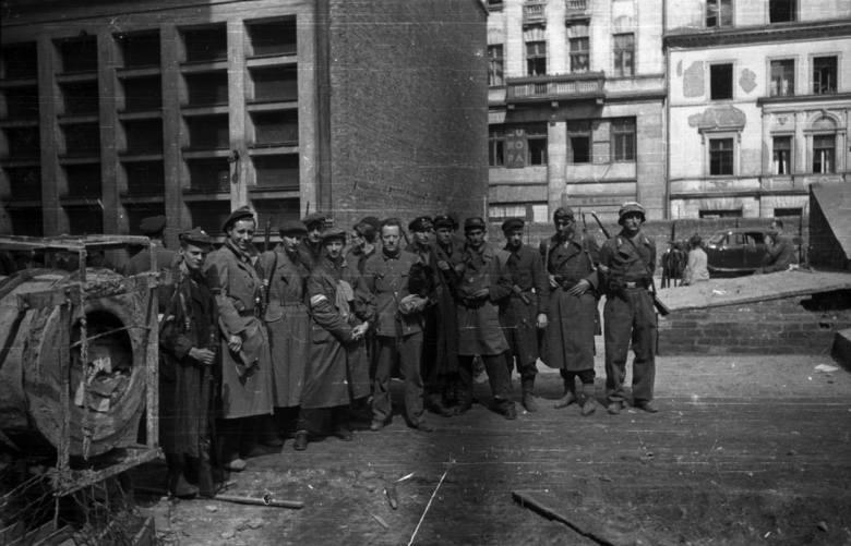 Powstanie Warszawskie w obiektywie Joachima Joachimczyka