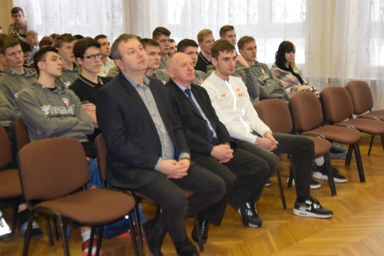 Bolesław oraz Aleksander Kossakowscy odwiedzili Zespół Szkół Ponadgimnazjalnych w Kielcach (ZDJĘCIA)