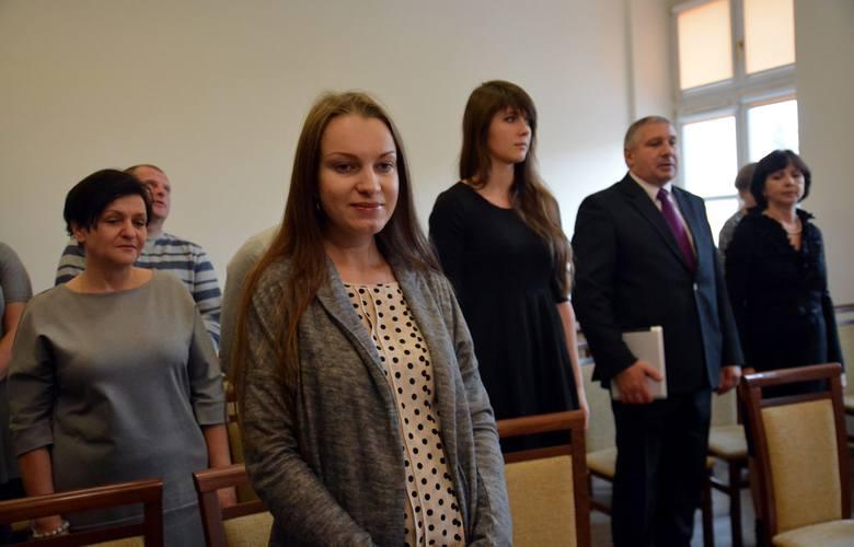 Wojewoda wręczył polskie obywatelstwo dziesięciu osobom pochodzącym z Ukrainy i Rosji