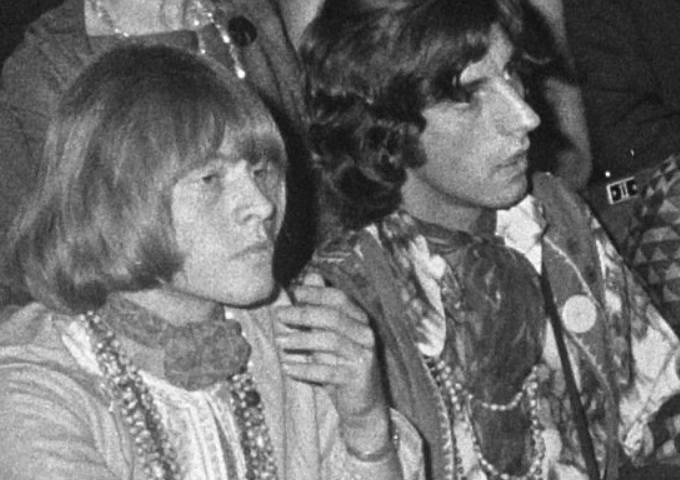 Mija 50 lat od śmierci Briana Jonesa z The Rolling Stones. Na zdjęciu Brian Jones i Michael Cooper.