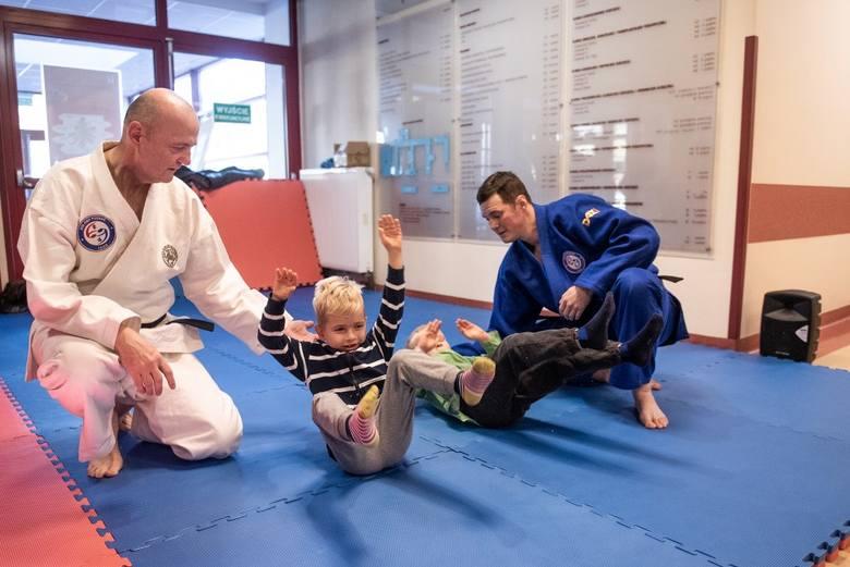 Szpitalne Zawody Judo, które po raz pierwszy odbyły się w Szpitalu Klinicznym im. Jonschera przy ul. Szpitalnej w Poznaniu, zostały zorganizowane przez