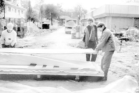 Szczególnie trudno jest stworzyć bezpieczne warunki pracy na budowach, gdyż występuje tam mnóstwo zagrożeń. Nikt jednak nie zwolni pracodawcy z takiego