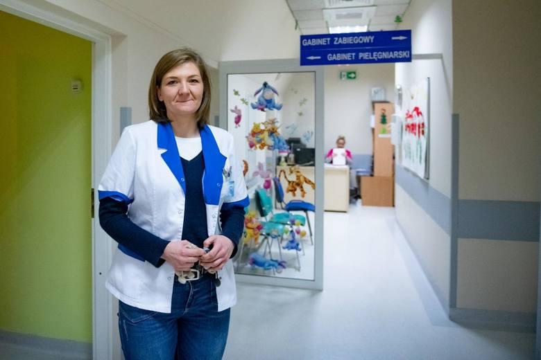 Anna Hamrol pracuje w Specjalistycznym Zespole Opieki Zdrowotnej nad Matką i Dzieckiem od 2018 r., kiedy to lawinowo zaczęła rosnąć liczba przypadków interwencji z udziałem dzieci.<br />
