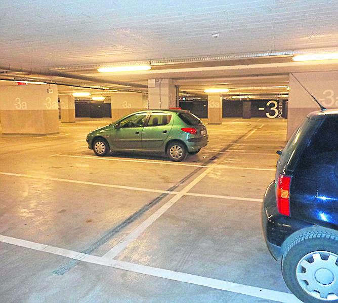 Dworzec Fabryczny: Na parkingu tłok i... pustki
