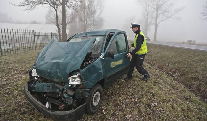 """(pij)Do wypadku doszło w środę, 9 marca z samego rana na """"trasie śmierci"""" na wysokości Świdnicy.Jak wynika z pierwszych ustaleń, bus z pasażerami, który"""