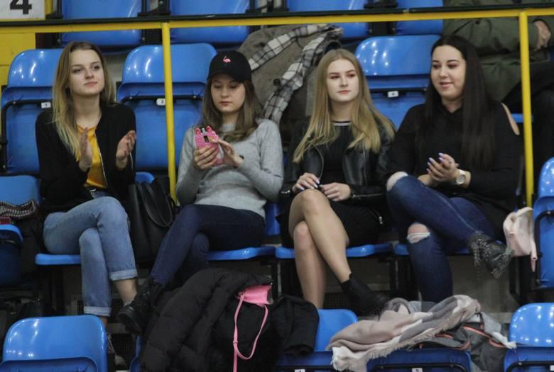 W sobotę siatkarze Buskowianki w Kielcach podejmowali w hali przy ulicy Żytniej w Kielcach Stal Nysa. Mecz był bardzo emocjonujący i dostarczył kibicom