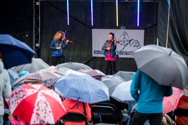 W sobotę, 7 września, odbył się kolejny koncert nad Balatonem. Tym razem na plenerowym koncercie wystąpili Queens of Violin i Trzej Tenorzy. Podczas