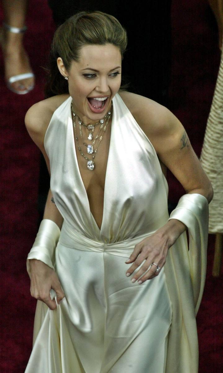 Angelina Jolie na 76. ceremonii wręczenia Oscarów w 2004 r.