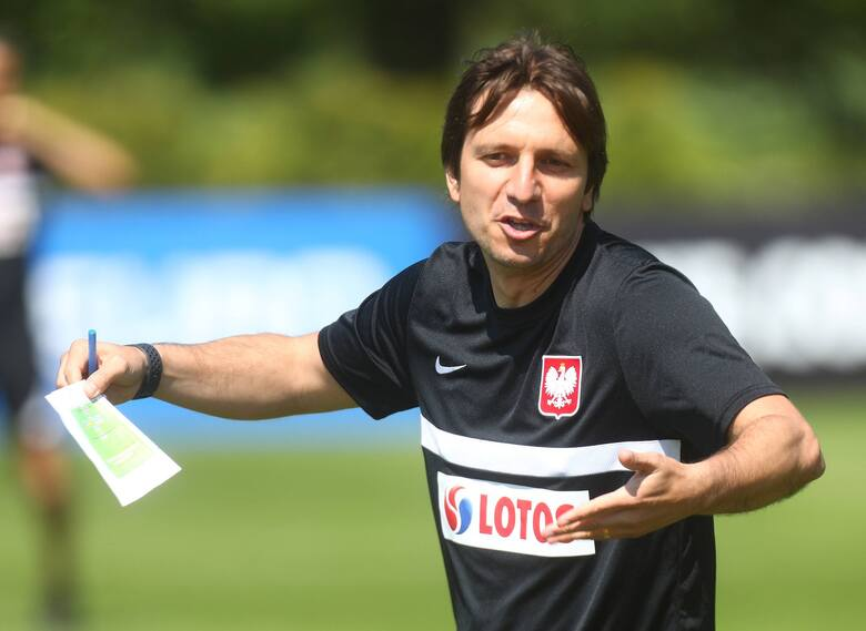 Człowiek mocno związany z Barceloną. Najpierw pracował w strukturach akademii Espanyolu, a następnie przeniósł się do słynnej La Masii. W szkółce FC