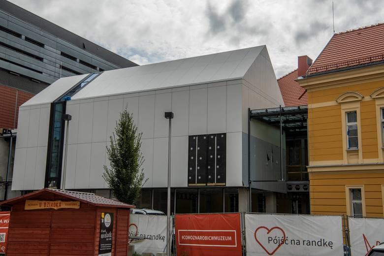 Ostatnie prace przed otwarciem Muzeum przy Gdańskiej 4 w Bydgoszczy