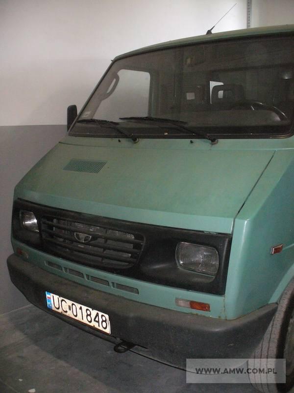 Samochód ogólnego przeznaczenia małej ładowności LUBLIN II 3322 poj. 2,4 (silnik ANDORIA, na wyposażeniu hak holowniczy)Rok produkcji:1999Cena:2000