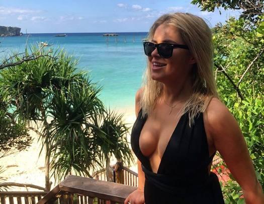 Natalia Mancewicz wyjechała na wakacje do Japonii. Na Okinawie korzystała z uroków słońca