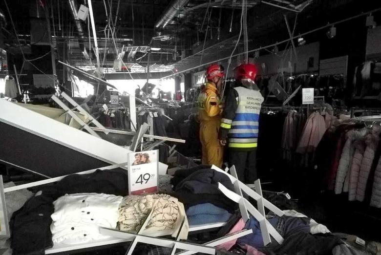 Do zawalenia się sufitu o wymiarach około 40 na 50 metrów doszło na pierwszym piętrze galerii. Administrator obiektu podjął decyzję o ewakuacji galerii