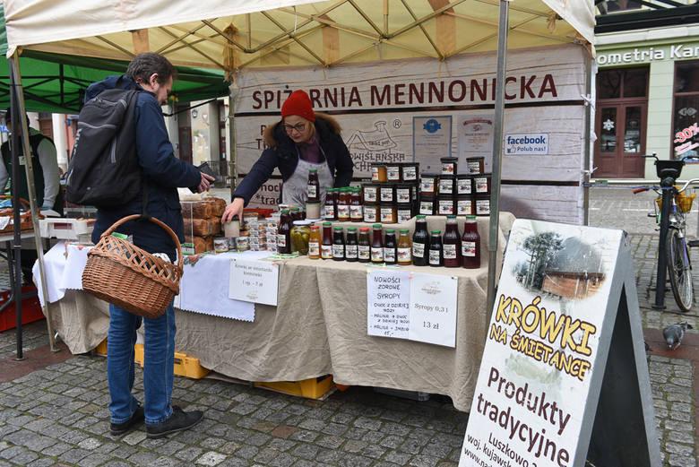 Na Jarmarku Śniadaniowym można było zakupić produkty naturalne i lokalne, przetworzone w sposób tradycyjny. Oprócz tego przewidziane były także ciepłe