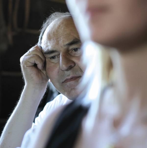 """Sokrat Janowicz jest uznanym pisarzem białoruskim, mieszkającym w Polsce. W roku 1970 wyrzucony z PZPR i """"Niwy"""". Przez """"wilczy bilet"""""""
