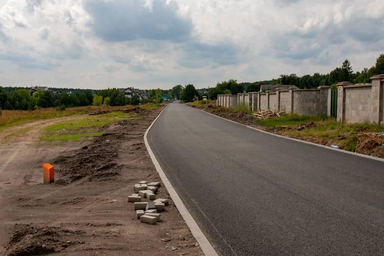 Dobra informacja dla drogowców. W sobotę, 15 września, zostanie otwarta ulica Zamczysko. Droga przeszła remont, zyskała nową powierzchnię oraz pobocza.
