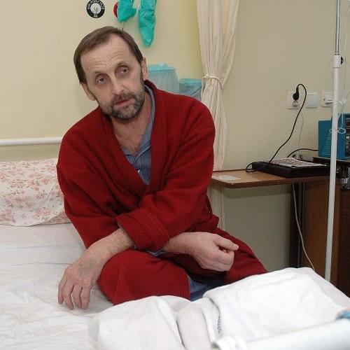 Pan Andrzej miał niemałe szczęście, że ktoś zgodził się przekazać wątrobę do transplantacji. Zabieg miał trzy miesiące temu. Wtedy spotkaliśmy go w szpitalu