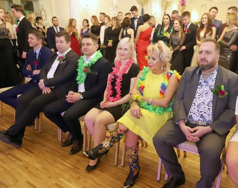 Studniówki 2020. Studniówka Łódzkiej Szkoły Mody Kosmetologii Fryzjerstwa - Anagra. Zobacz zdjęcia