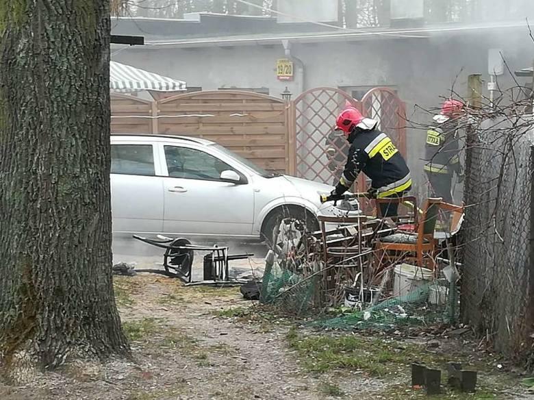 Jednej osobie trzeba było udzielić pomocy po pożarze, który wybuchł we wtorek przy ul. Sobieskiego w Gnieźnie. Palił się budynek mieszkalny. Na miejscu