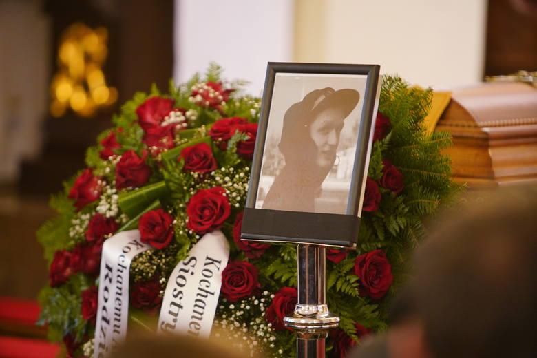 Pogrzeb 21-latka zastrzelonego przez policjanta odbył się w czwartek 21 listopada 2019 roku w Koninie. Po wcześniejszych demonstracjach i starciach z