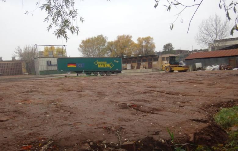 """Sprawą odpadów przemysłowych w fabryce """"Prima"""" zajmą się urząd miasta i urząd marszałkowski"""