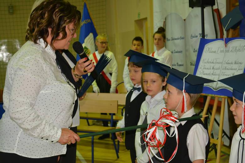W Szkole Podstawowej w Niemicy (gm. Malechowo) wszyscy spotkali się, aby uczcić szóstą rocznicę nadania naszej szkole imienia Noblistów Polskich. Podczas