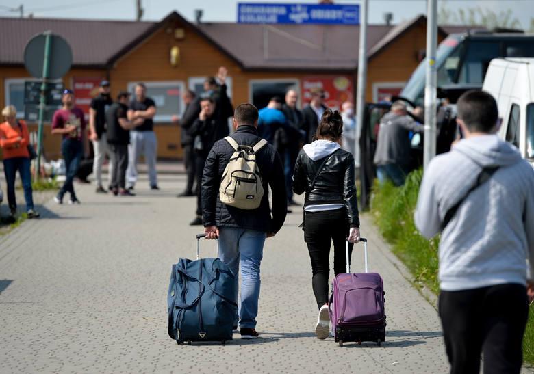 16 maja po dłuższej przerwie otwarto piesze polsko-ukraińskie przejście graniczne w Medyce. Do miejscowości pod Przemyślem zjeżdżają Ukraińcy z różnych